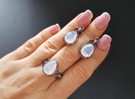 Украшения из натуральных камней. Комплект серьги и перстень