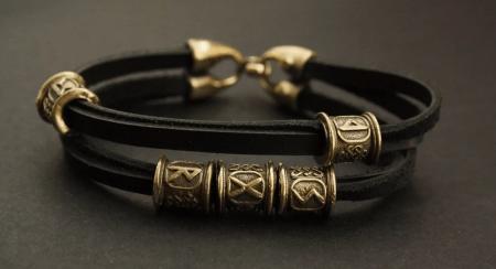 Украшения в скандинавском стиле. Кожаный браслет с бронзовыми вставками