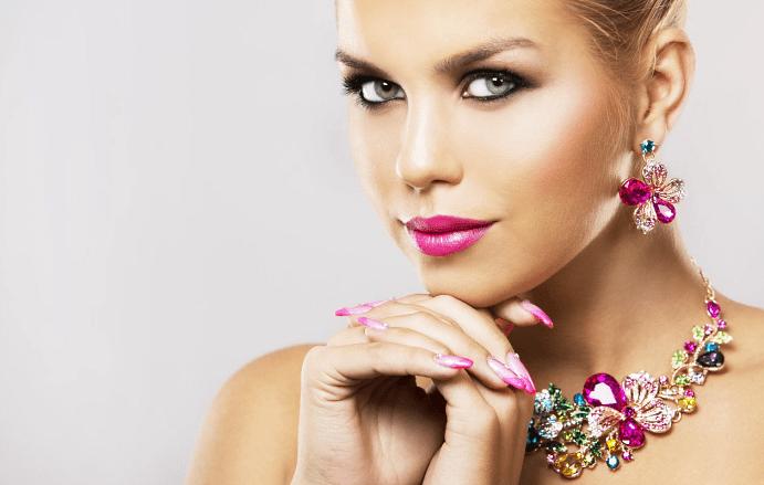 Ювелирные украшения с цветами: они могут значить совсем не то, что вы думаете