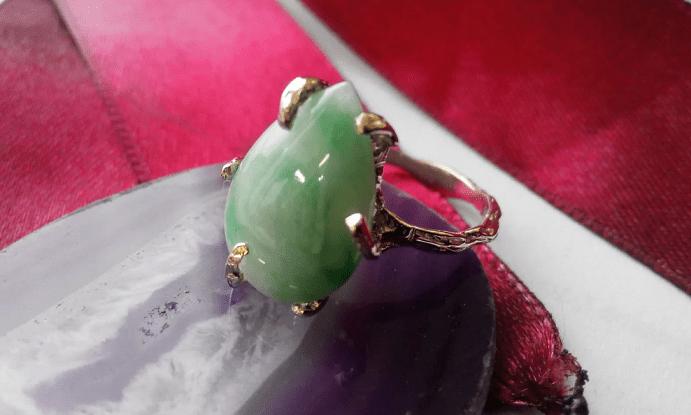 Китайские украшения: особенности изделий. Золотое кольцо с нефритом
