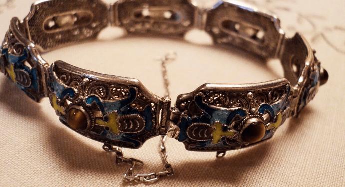 Китайские украшения: особенности изделий. Браслет