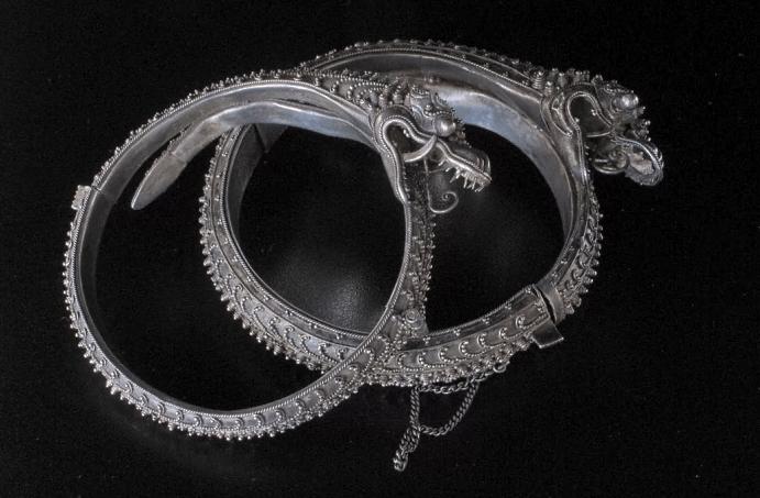 Китайские украшения: особенности изделий. Серебряные кольца с драконами
