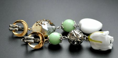 Украшения из полудрагоценных камней: популярные решения 2021 года. Асимметричные серьги с камнями