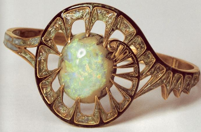Украшения в стиле модерн. Золотое кольцо с опалом