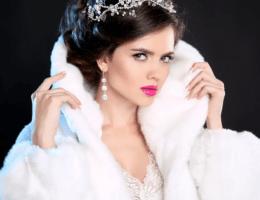 Белые серьги: для невест и не только