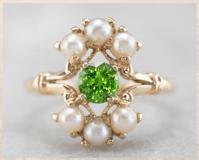 Демантоид — алмазоподобный гранат. Цвета и свойства камня