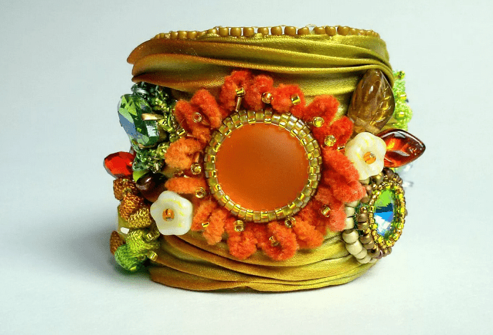 Украшения шибори – новое направление в Hand Made. Желто-оранжевый браслет