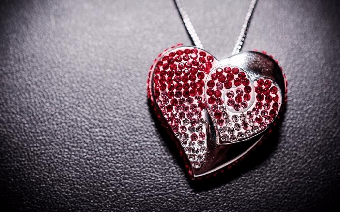 Украшения со смыслом: как выразить ваши чувства без слов