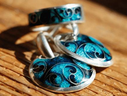 Как ухаживать за ювелирными украшениями с эмалью