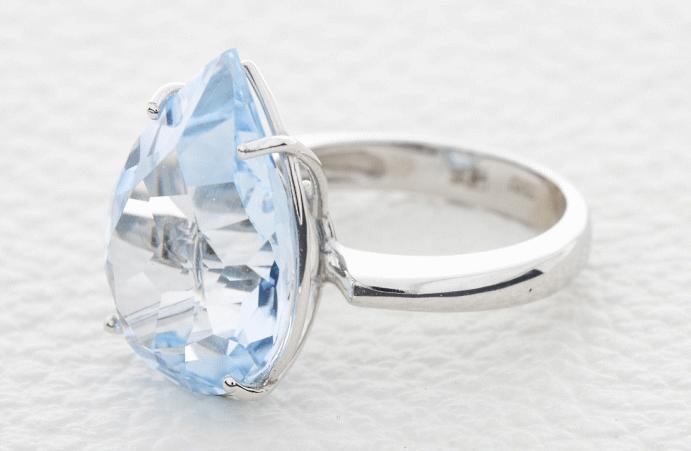 Топаз Скай Блю: небесно-голубой камень