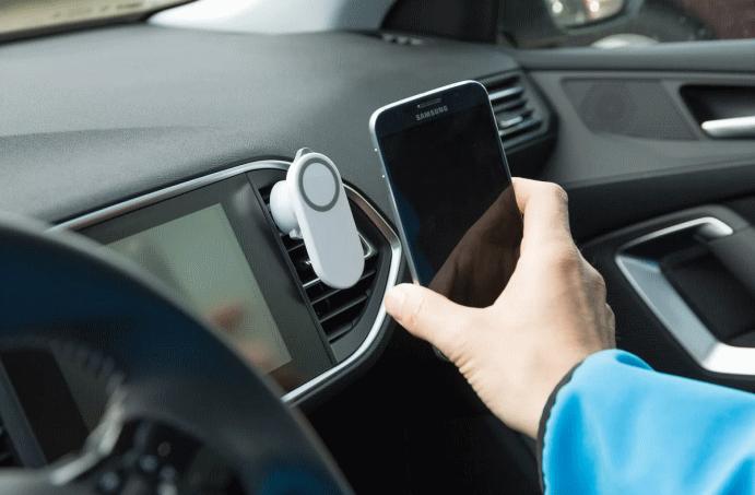Почему стоит использовать держатель во время регулярных поездок на автомобиле