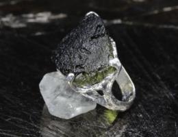 Молдавит: бутылочный камень из Чехии