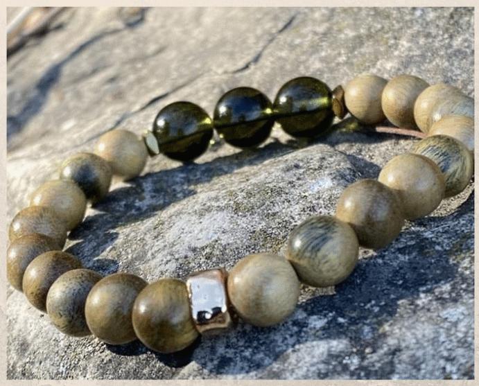 Молдавит: бутылочный камень из Чехии. Цены. Как отличить подделку