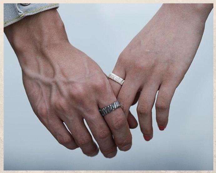 Серебряные обручальные кольца: почему спрос на них растет. Что говорят те, кто выбирает серебро, а не золото