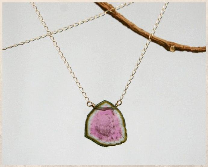 Арбузный турмалин: идеальный драгоценный камень для лета. Где добывают