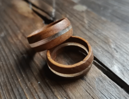 Кольца из дубовой бочки: хороший вкус и забота об экологии