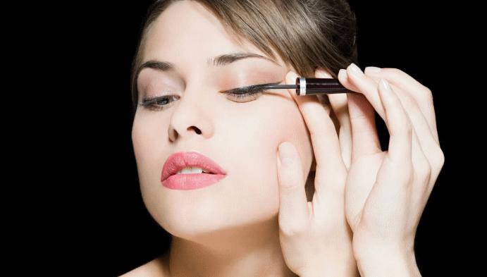 Косметика для макияжа: что следует знать о подводках для глаз?