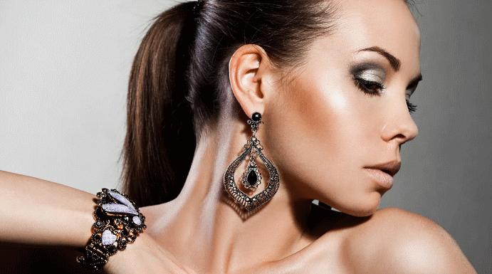 Черные серьги: обзор популярных женских и мужских моделей