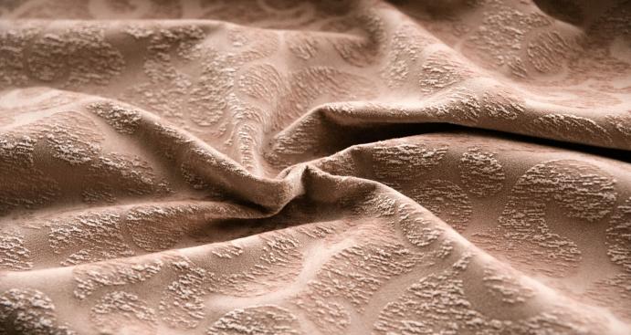 Ткань велюр: особенности и преимущества. Что шьют из материала